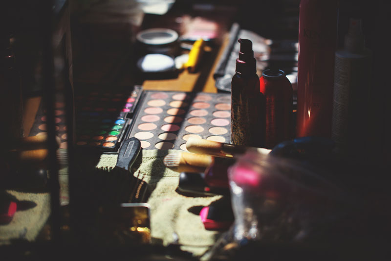 postcard inn holiday isles wedding: makeup