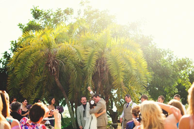 postcard inn holiday isles wedding: first kiss