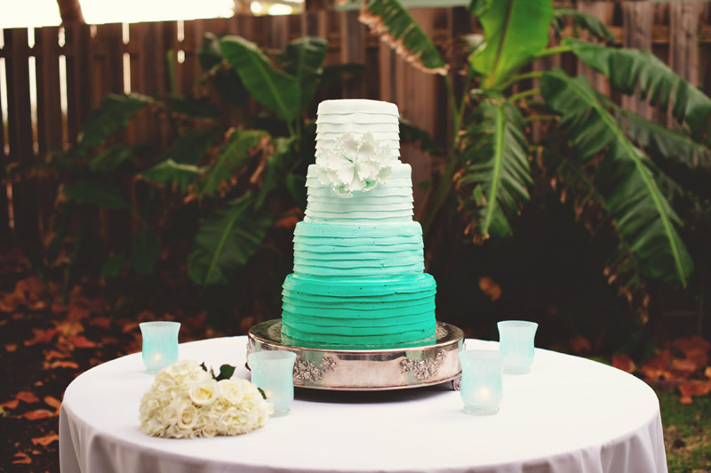 siesta key backyard wedding: cake