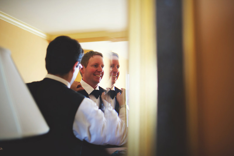 ringling museum wedding: groom getting ready