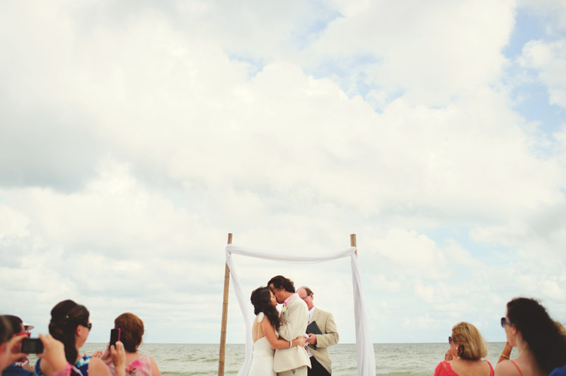 sanibel island wedding: first kiss
