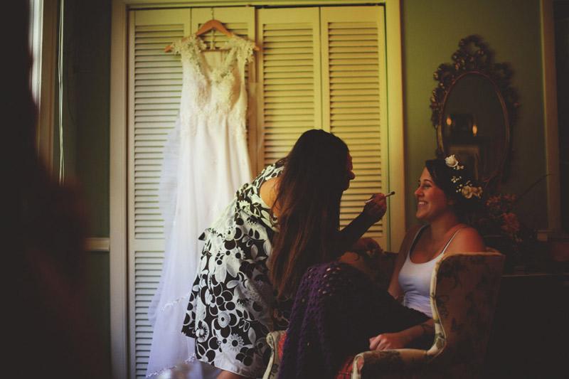 the glen venue wedding: bride getting makeup done