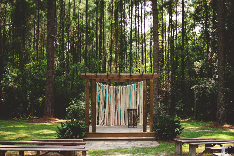 the glen venue wedding: ceremony alter