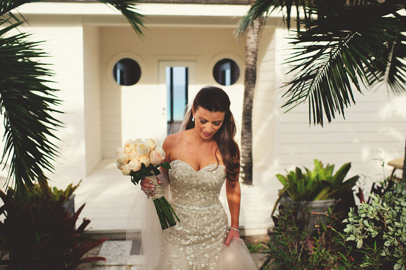 harbour island bahamas wedding: bride walking