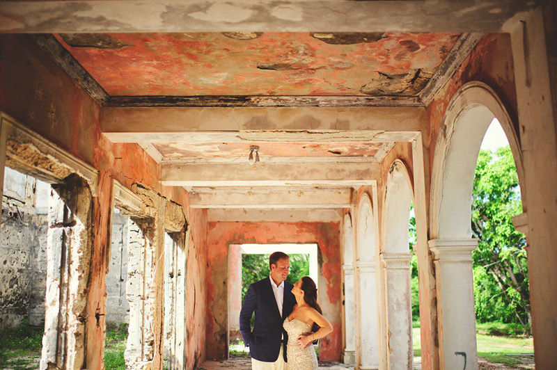 harbour island bahamas wedding: haunted house portraits
