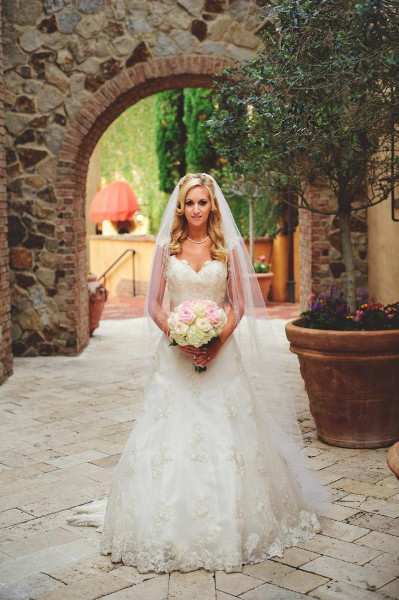 bella collina wedding: brides portraits