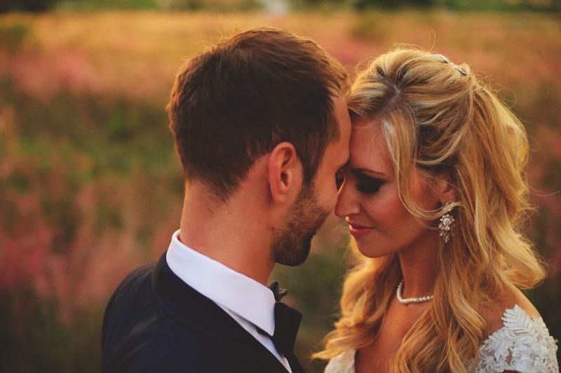bella collina wedding: romantic couple