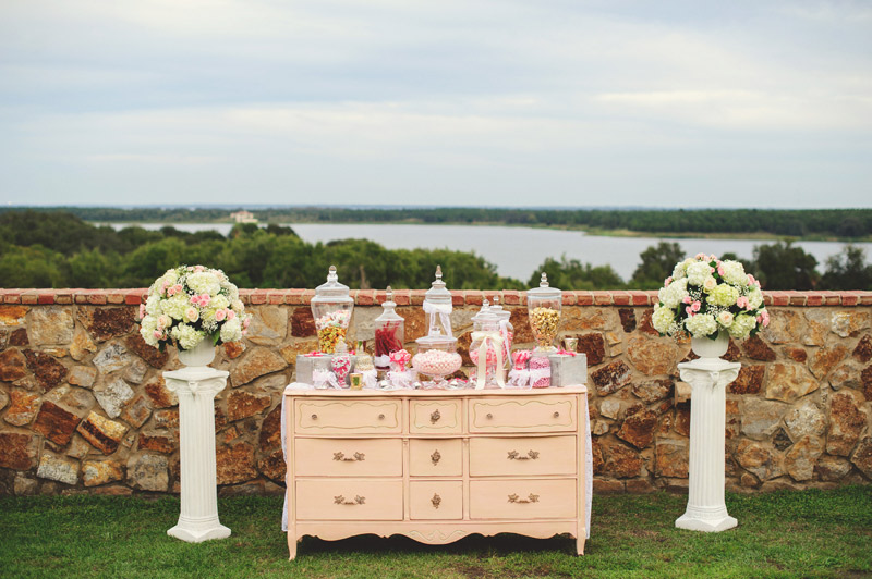 bella collina wedding: candy station
