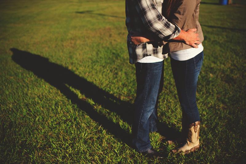 romantic-woodsy-farm-engagement-jason-mize-017