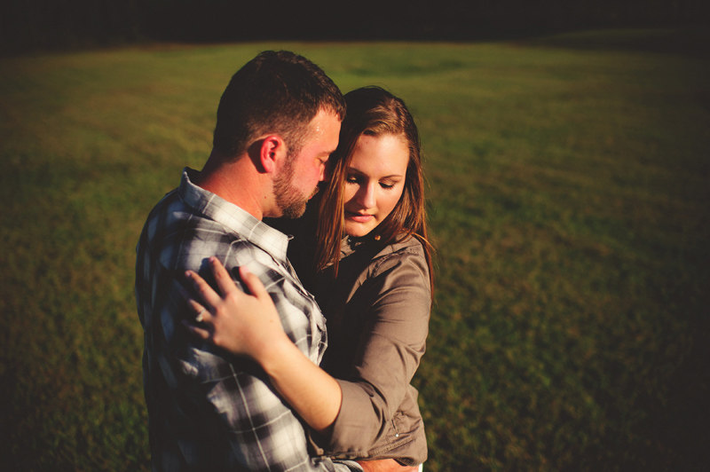 romantic-woodsy-farm-engagement-jason-mize-018