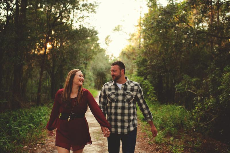 romantic-woodsy-farm-engagement-jason-mize-023