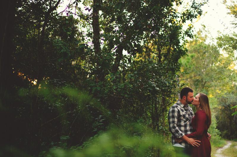 romantic-woodsy-farm-engagement-jason-mize-032