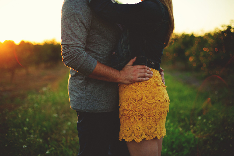romantic-woodsy-farm-engagement-jason-mize-047