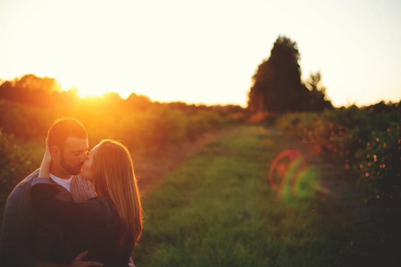 romantic-woodsy-farm-engagement-jason-mize-053