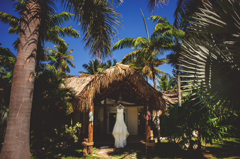 caribbean resort wedding: wedding dress