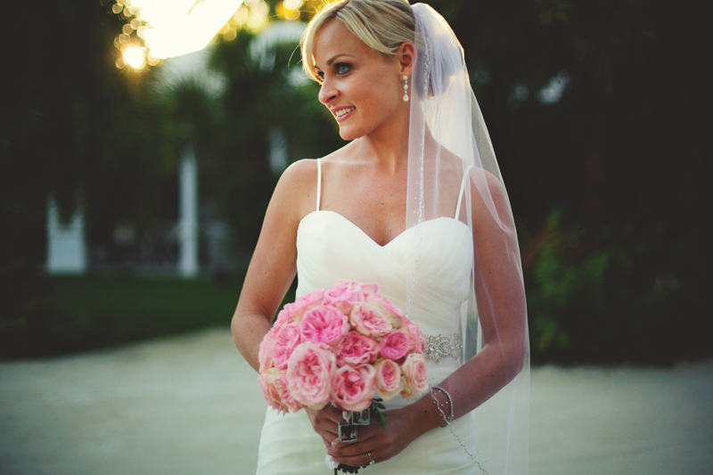 caribbean resort wedding: bridal and bouquet
