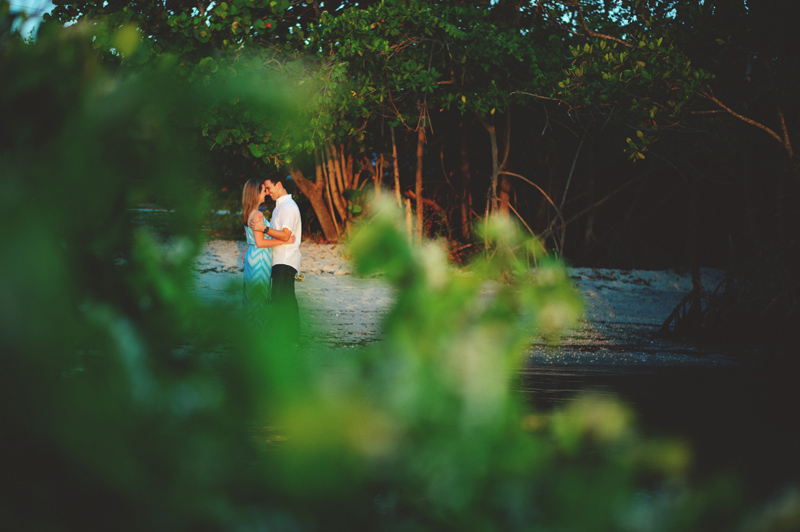 jupiter-romantic-engagement-photos-036