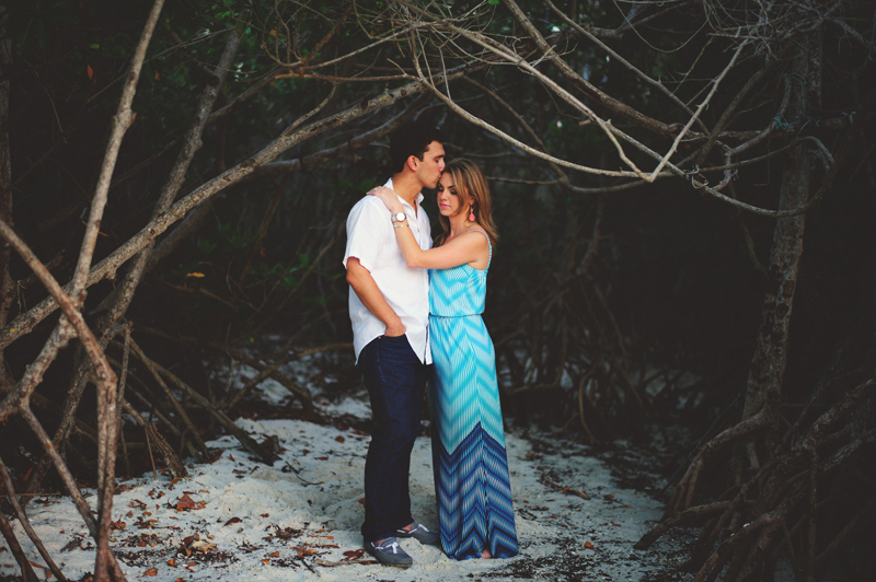 jupiter-romantic-engagement-photos-038