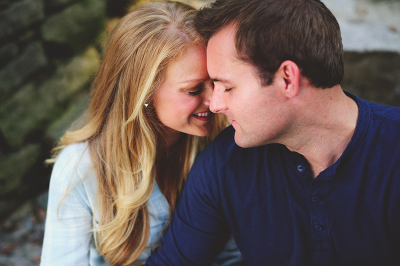 romantic-nashville-downtown-engagement-012