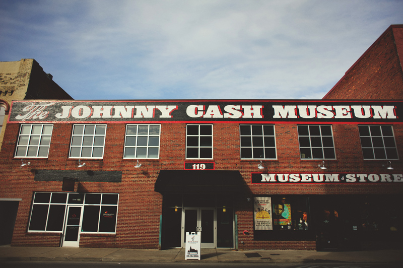 downtown nashville wedding: johnny cash museum