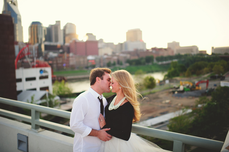 romantic-nashville-downtown-engagement-048