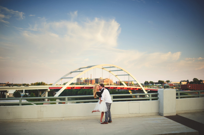 romantic-nashville-downtown-engagement-049
