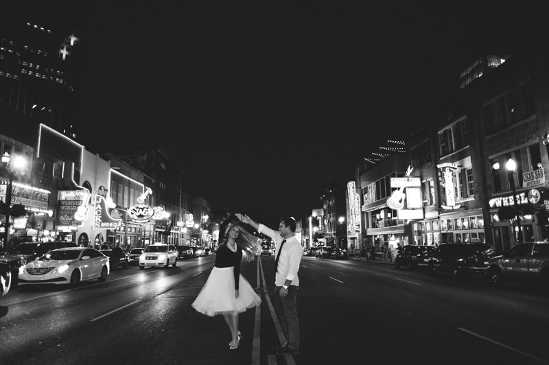 downtown nashville wedding: dancing on broadway
