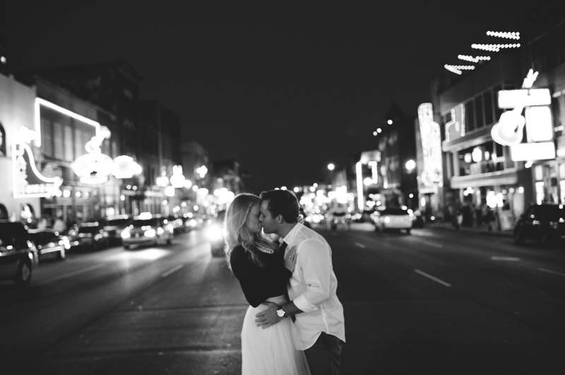 romantic-nashville-downtown-engagement-058