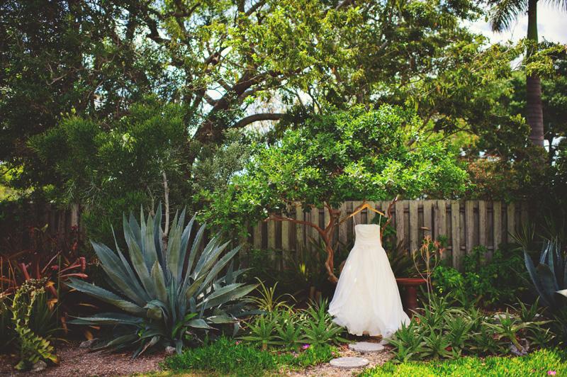 modern-vintage-selby-gardens-wedding-jason-mize-018