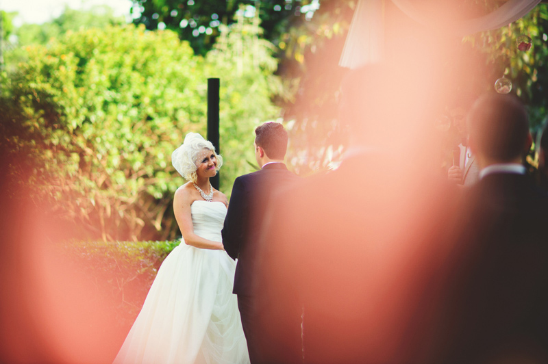 modern-vintage-selby-gardens-wedding-jason-mize-049