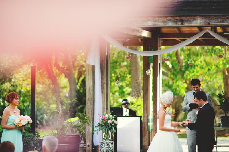 modern-vintage-selby-gardens-wedding-jason-mize-054