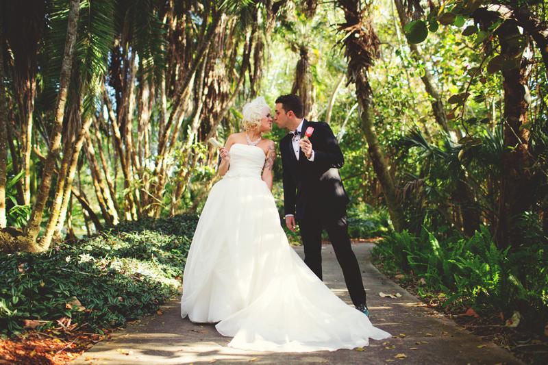 modern-vintage-selby-gardens-wedding-jason-mize-067
