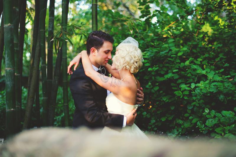 modern-vintage-selby-gardens-wedding-jason-mize-097