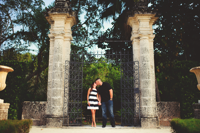 vizcaya museum engagement: bride and groom kissing