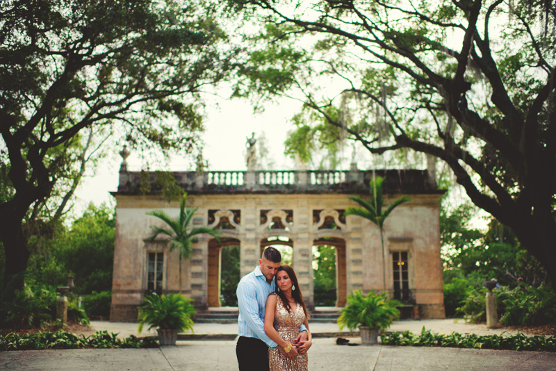 vizcaya museum engagement: romantic pictures embracing