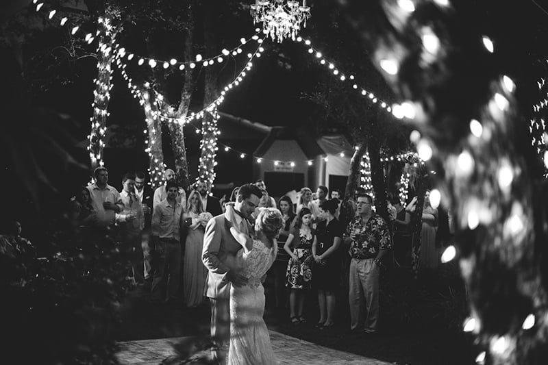 naples-backyard-wedding-photos-103.jpg