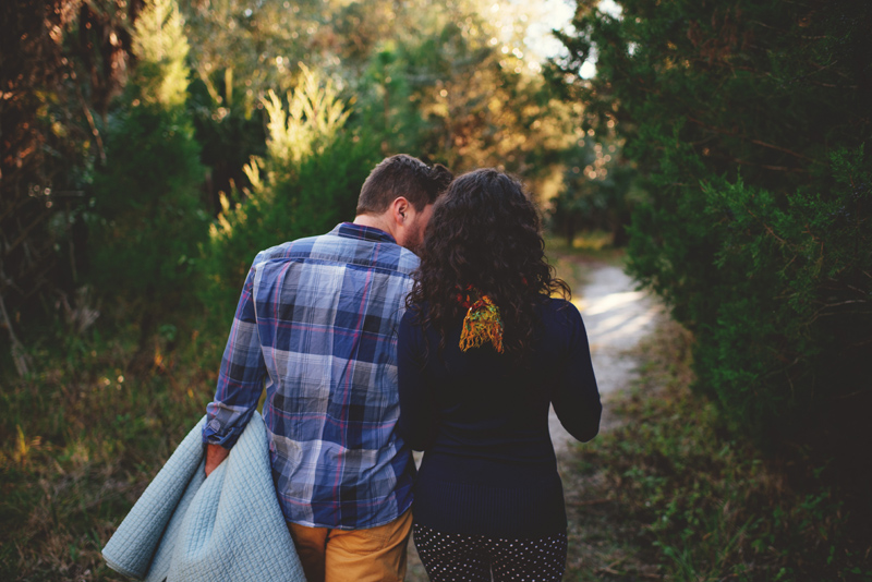 romantic-florida-river-engagement-photos-002.jpg
