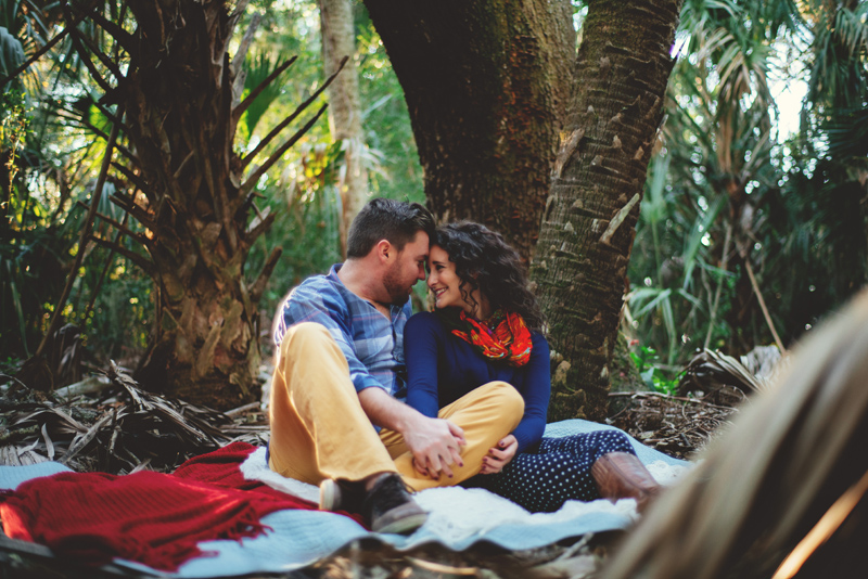 romantic-florida-river-engagement-photos-006.jpg