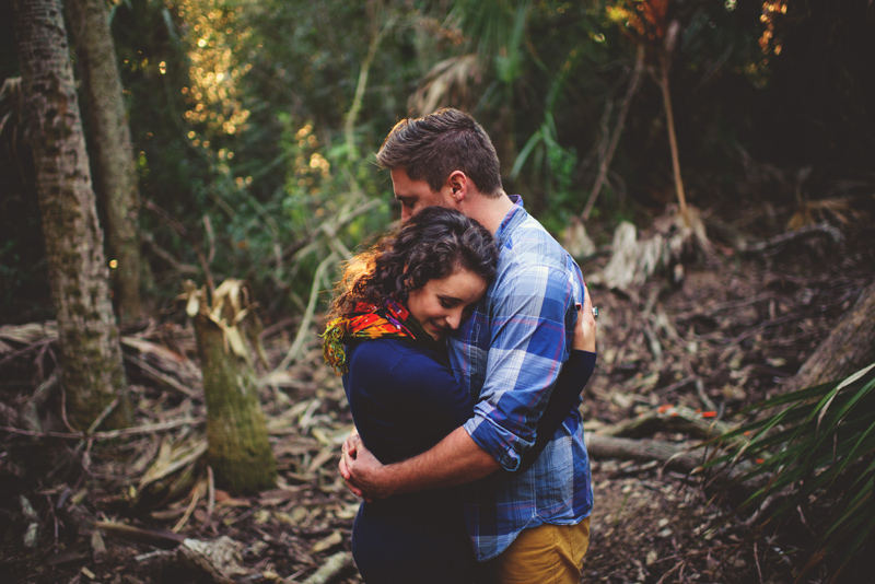 romantic-florida-river-engagement-photos-014.jpg