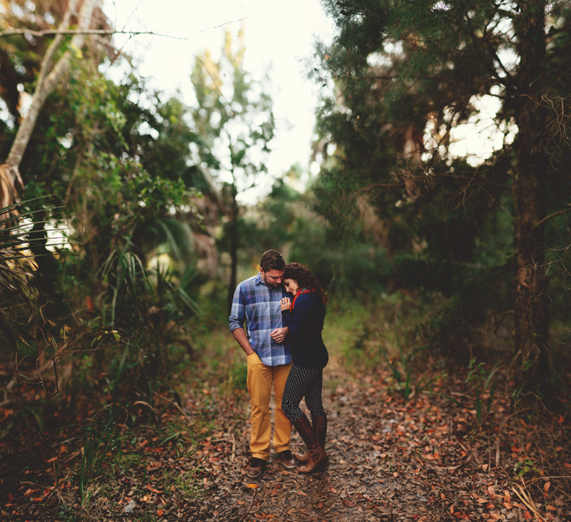 romantic-florida-river-engagement-photos-023.jpg