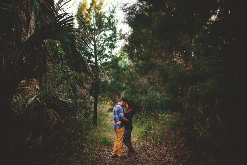 romantic-florida-river-engagement-photos-024.jpg