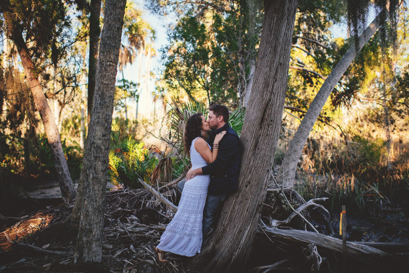 romantic-florida-river-engagement-photos-029.jpg