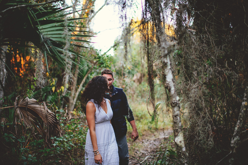 romantic-florida-river-engagement-photos-032.jpg