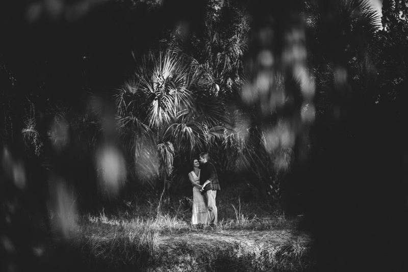 romantic-florida-river-engagement-photos-035.jpg
