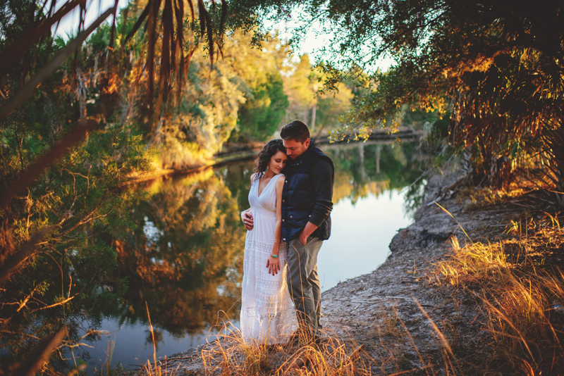 romantic-florida-river-engagement-photos-036.jpg