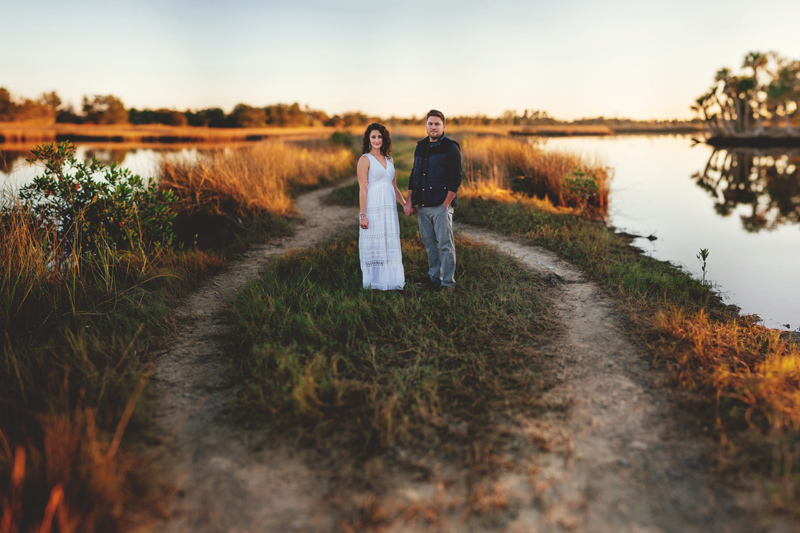 romantic-florida-river-engagement-photos-040.jpg