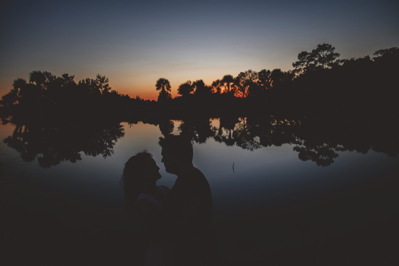 romantic-florida-river-engagement-photos-052.jpg