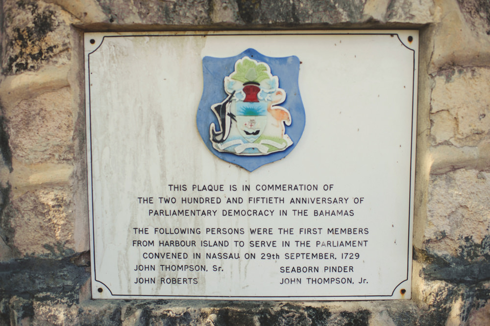 harbour island plaque