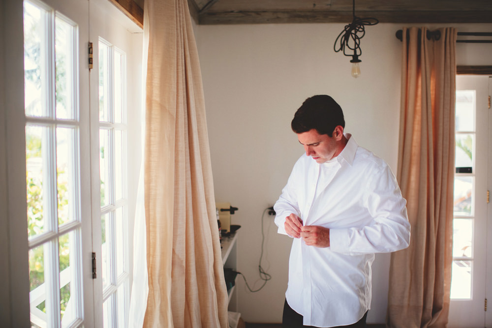 ocean view club wedding : groom getting ready