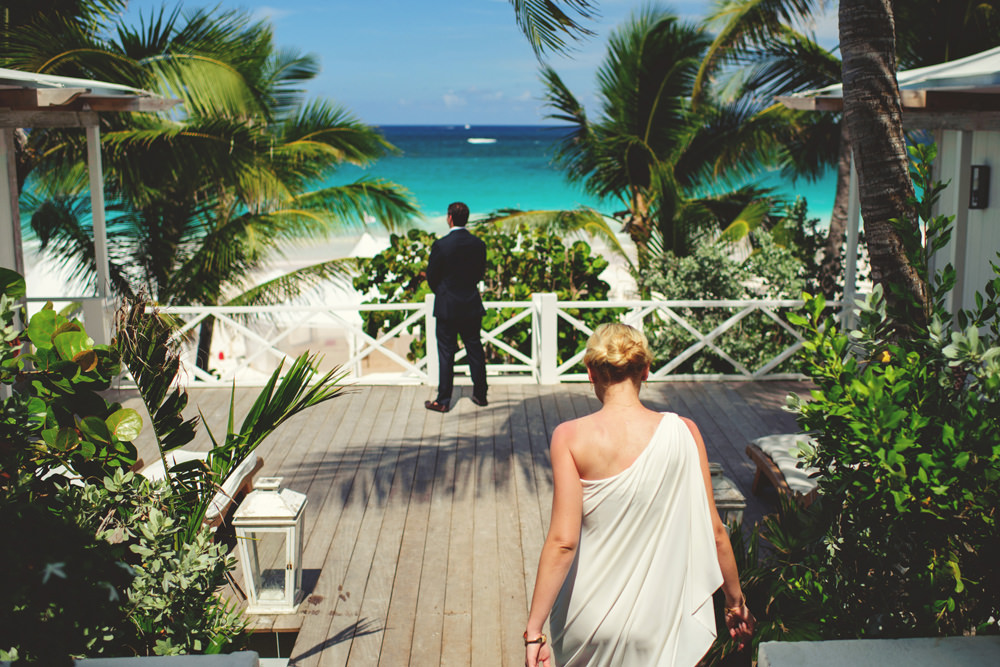 ocean view club wedding : bride walking to first look